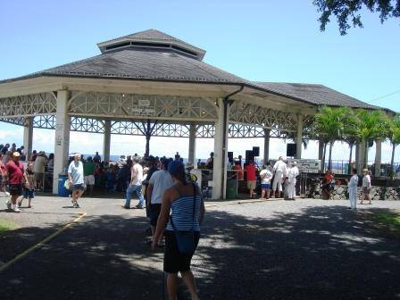 Hilo bandstand