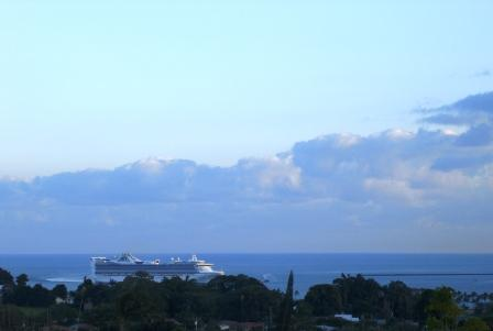 Cruise ship in Hilo